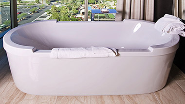 Loft Suite Bathtub Closeup