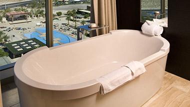Flat Suite Bathtub